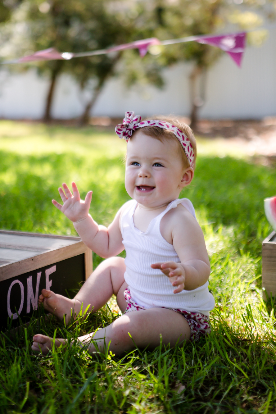 Livs1stBirthday_cakesmash_oneyearold_cake_baby_photography_babyphotos_one-1