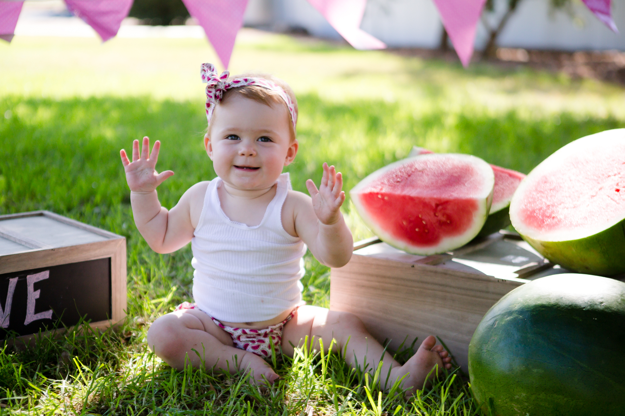 Livs1stBirthday_cakesmash_oneyearold_cake_baby_photography_babyphotos_one-3