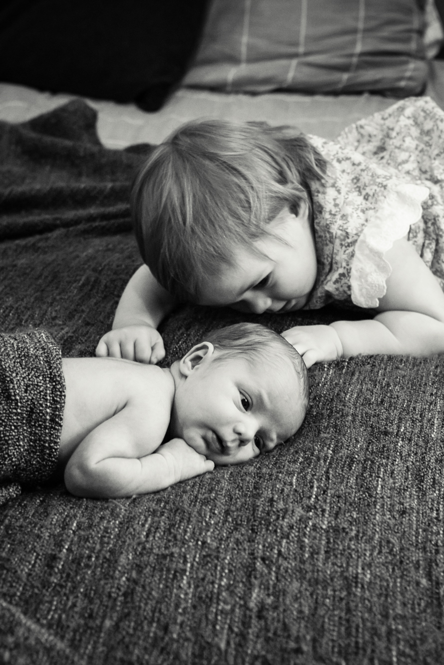 lloyd-family_newborn_photography_natural_lifestyle_in-house_adelaide_family_portrait_photographer-32