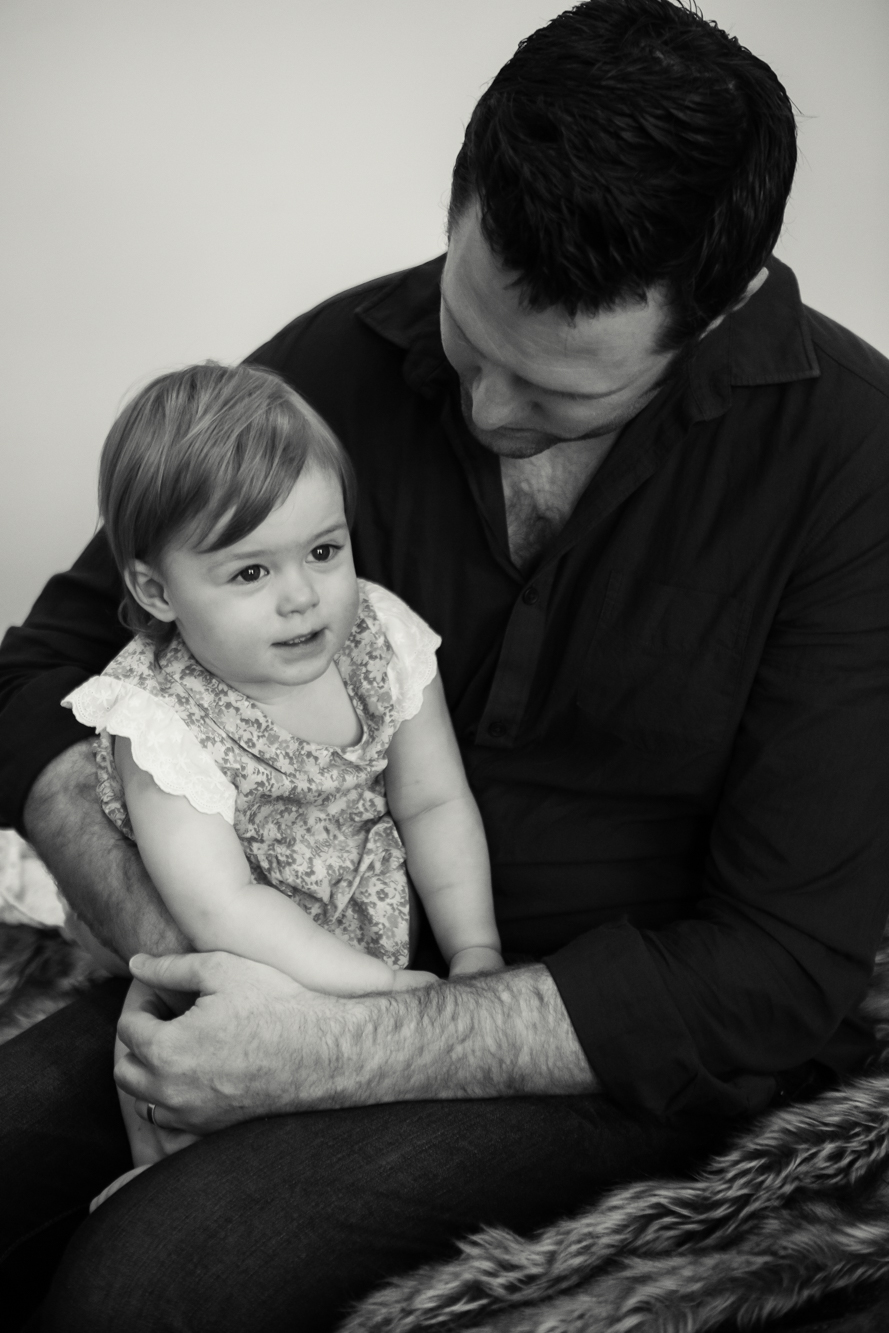 lloyd-family_newborn_photography_natural_lifestyle_in-house_adelaide_family_portrait_photographer-48